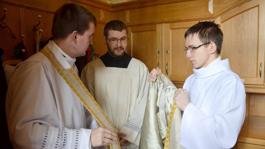O szatach liturgicznych